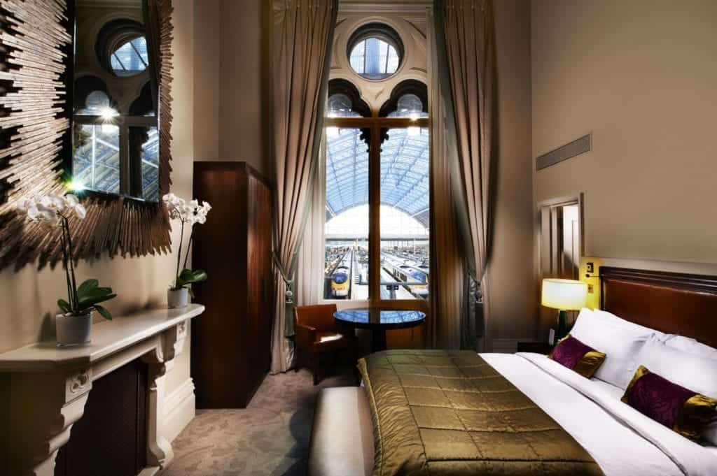 Interior photo of a Hotel Room in St Pancras - Hospitality Photographic